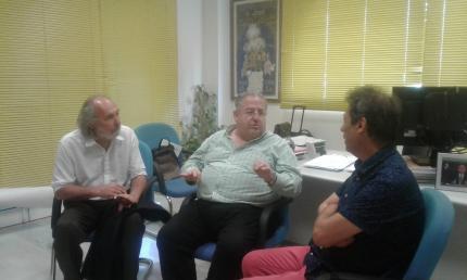 Primera aproximación. Alcalde Alvaro Alfonso, Concejal Carlos Fulco y  Director de Cultura Vicente Escrig.
